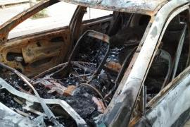 Arde un coche frente a la residencia Reina Sofía de Cas Serres