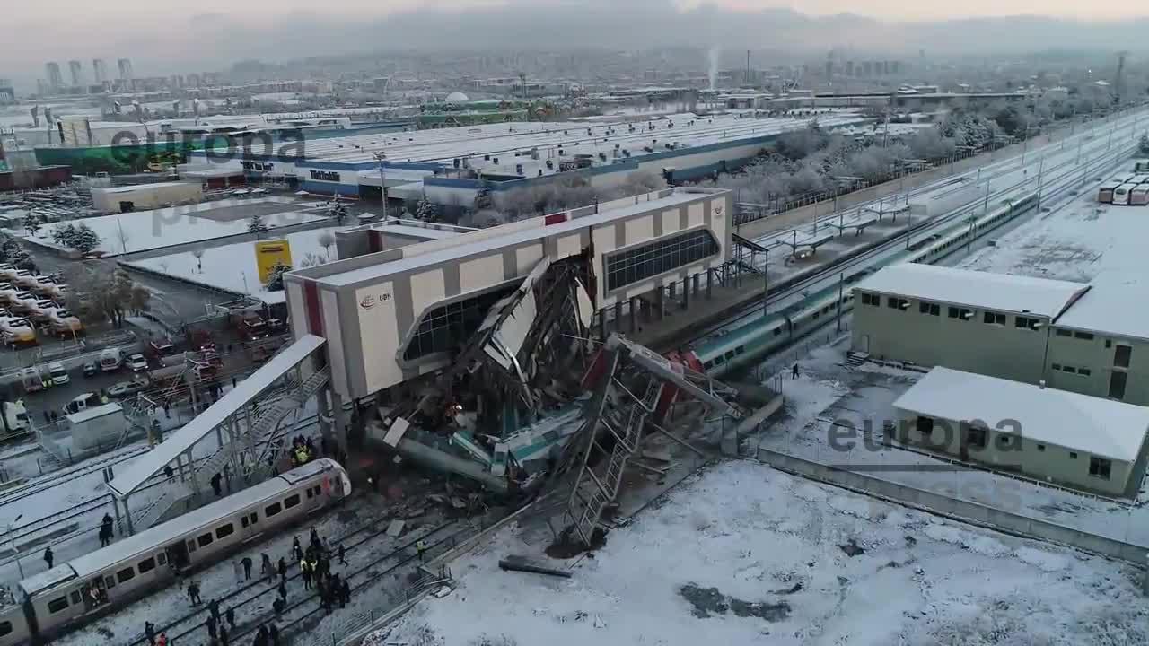 Al menos siete muertos y 46 heridos por el choque de dos trenes en Ankara