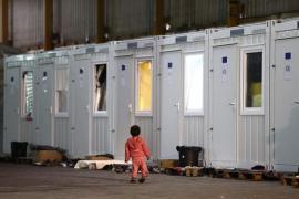 Miles de inmigrantes esperan en Bosnia para cruzar a UE entre el frío y la persecución policial