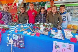 La Feria de Navidad de Santa Eulària regresa con éxito a la plaza del Cañón