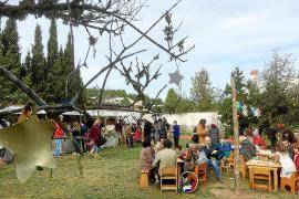 Convivencia navideña y solidaridad en el centro infantil de la asociació Waldorf