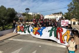 """Más de 200 personas reclaman """"de una vez por todas"""" el nuevo colegio de Sant Ferran"""
