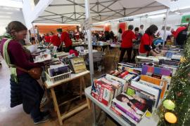 La isla se vuelca contra el cáncer y llena el Recinto Ferial con motivo de la Feria de Navidad de IFCC