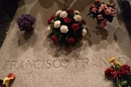 El Tribunal Supremo rechaza paralizar por el momento el expediente de exhumación de Franco