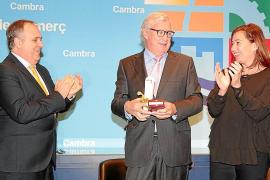 Antoni Mercant y Francina Armengol aplauden a José Luis Roses