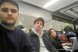 Estudiantes mallorquines retenidos en Gatwick: «Estamos en shock»