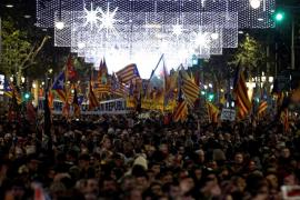 Unas 40.000 personas se manifiestan en Barcelona por la República catalana