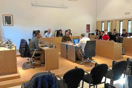 Formentera aprueba su plan de movilidad y prorroga con «máxima urgencia» la concesión de los autobuses