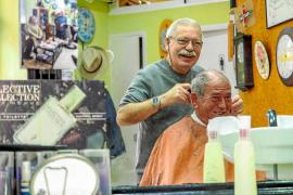 Vicent Quirós Torres: «Ahora todo son peluquerías. Yo puse en el cartel peluquería, pero soy barbero»