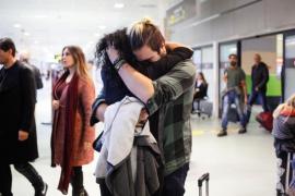 El aeropuerto se llena de abrazos por Navidad