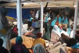 El barco Open Arms pone rumbo a Algeciras con más de 300 personas
