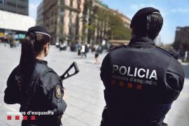 Los Mossos buscan a un hombre que planearía atentar en La Rambla de Barcelona