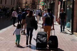 Detenido en Palma un turista por golpear a su mujer en plena calle