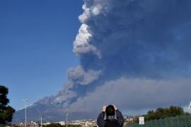 El Etna ha entrado en erupción
