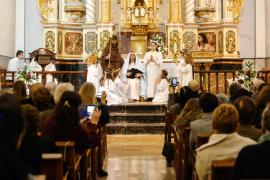 Sant Josep celebra la Navidad con el tradicional Belén viviente en la iglesia