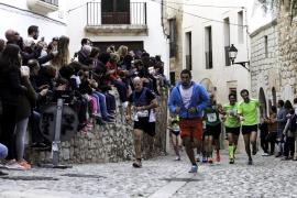 Los participantes en la 'Pujada a la Catedral' de Ibiza podrán donar juguetes a Cruz Roja