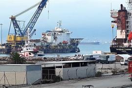 El Open Arms atraca en en San Roque con más de 300 migrantes a bordo