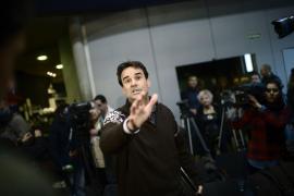 El periodista Cake Minuesa denuncia la agresión que sufrió el 21D