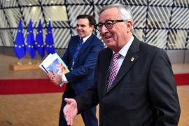 Juncker asegura que Bruselas «no está intentando mantener a Reino Unido» dentro de la Unión Europea