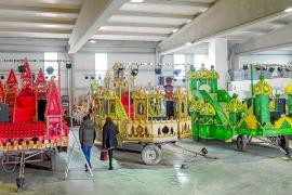 Los Reyes Magos apuestan por la tradición para sus carrozas de Ibiza