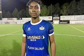 Moussa, nuevo central 'blue'