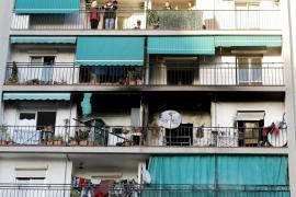 Muere una mujer en un incendio en La Llagosta