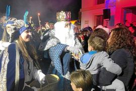 Melchor, Gaspar y Baltasar reparten felicidad y regalos en Formentera