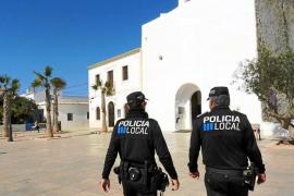 El policía de Formentera sin formación «cumple la normativa» pese a no haber sido emplazado aún a la academia