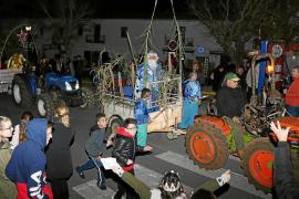 La Cabalgata más auténtica y rural reúne a las familias de Sant Joan