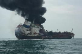 Explosión de un petrolero frente las costas de Hong Kong