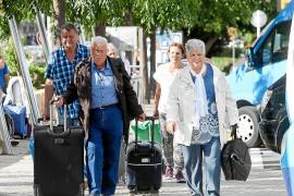 El Consell minimiza la bajada de turistas y dice que no se pueden mantener los récords de otros años