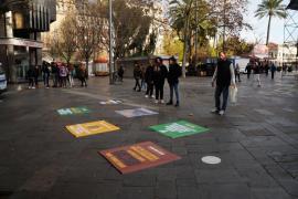 Pancartas del GOB en la plaza de España