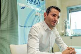 Marcos Serra Colomar: «Es incomprensible que en un pueblo turístico como Sant Antoni las terrazas cierren a las doce»