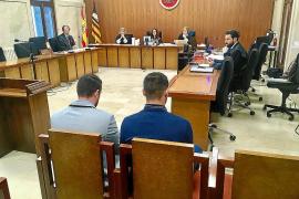 Absueltos dos jóvenes acusados de violar a una mujer en el Port d'Alcúdia