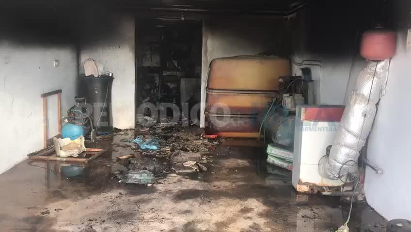 Sobresalto en Sant Antoni por el incendio declarado en una vivienda unifamiliar