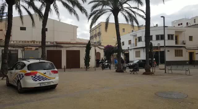 Alarma por un incendio que afectó a una vivienda ubicada entre Vara de Rey y la plaza del Parque
