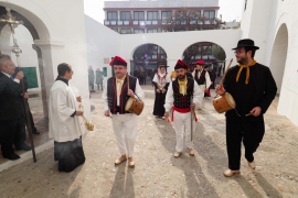 La celebración del patrón de Sant Antoni, en imágenes (Fotos: Marcelo Sastre).