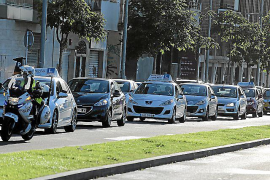 La falta de examinadores deja a las autoescuelas de Baleares en una situación crítica
