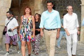 El PSOE de Ibiza, como pollo sin cabeza