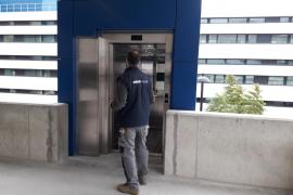 El ascensor que conecta el parquin con Can Misses ya funciona