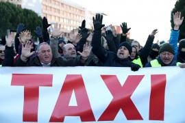 Un grupo de 200 taxistas irrumpen en las instalaciones de Ifema