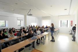 La UIB muestra sus enseñanzas en unas jornadas de puertas abiertas a estudiantes