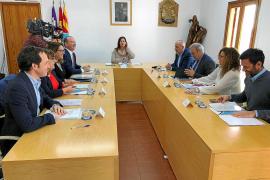 El Govern reforzará la limitación de vehículos con 350.000 euros para el transporte público