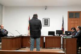 Conductor de microbús condenado por abuso a una menor