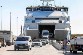 Aprobada por unanimidad la ley que regulará la entrada de vehículos a Formentera