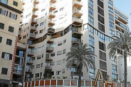 Edificio del piso al que se duplica el alquiler