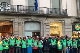 Manifestantes de la ANC ocupan la sede del Parlamento y la Comisión Europea en Barcelona