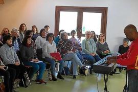 Bazil Meade transmite auténtica pasión por el góspel a Sant Josep