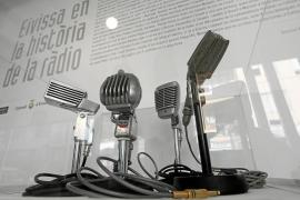 Un homenaje a los héroes anónimos que hicieron posible la radio en España y las Pitiusas