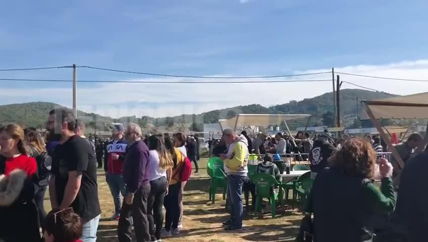 31 grupos participan este domingo en el campeonato del mundo de 'sofrit pagès' en Corona